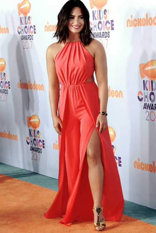 Demi Lovato attends Kids Choice Awards