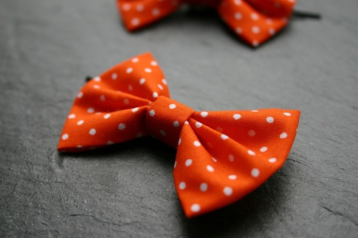 Orange! 2 Haarschleifen mit Punkten, Haarspangen von Klara Kleingeld auf DaWanda.com