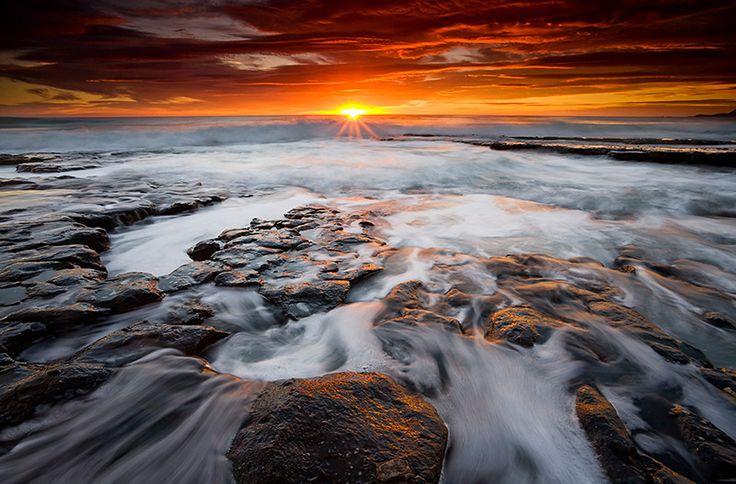 Stunning sunrise on the East Coast of Tasmania, Freycinet National Park