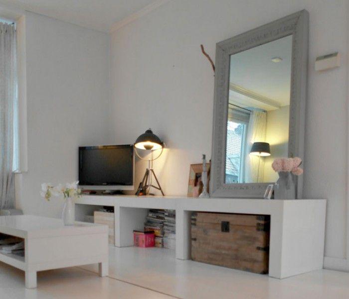 Gave spiegel, zou mooi staan op onze 5 meter brede, eikenhouten plank!