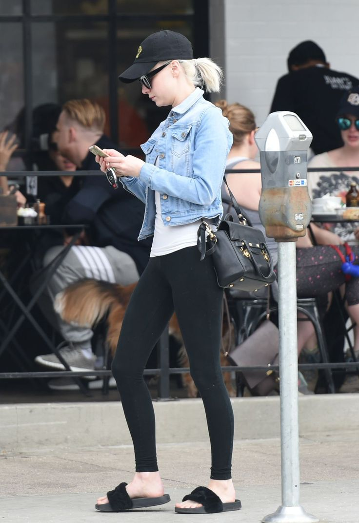 ALESSANDRA TORRESANI Out for Lunch in Los Angeles  actress ALESSANDRA TORRESANI