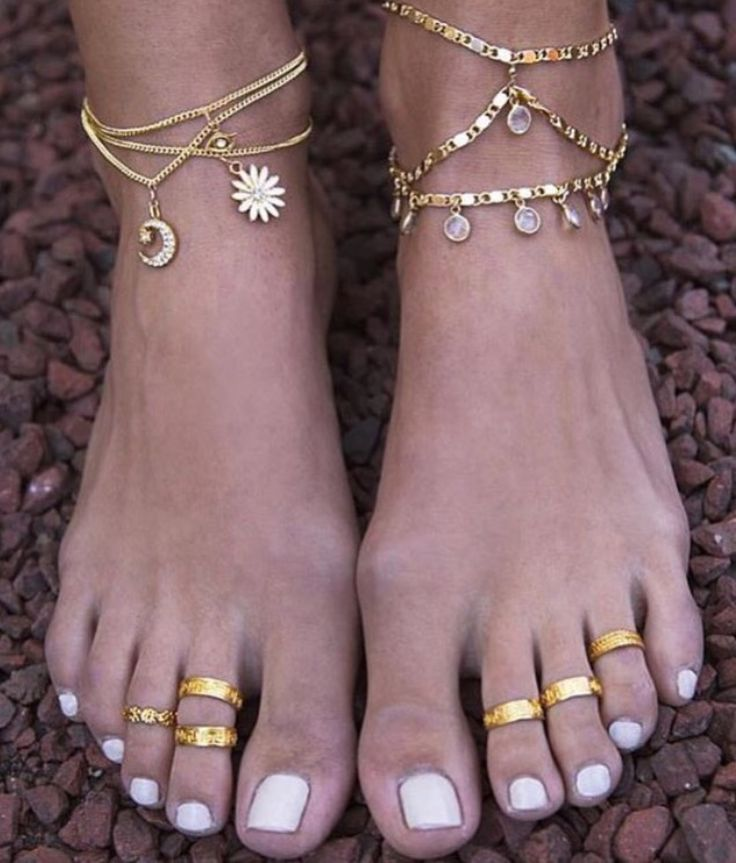 Anklets & toe rings.