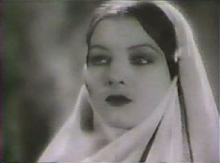 "Myrna Loy como Yasmani. The Black Watch ""Shari, la hechicera"" (The Black Watch) (1929) Dirigido por John Ford."