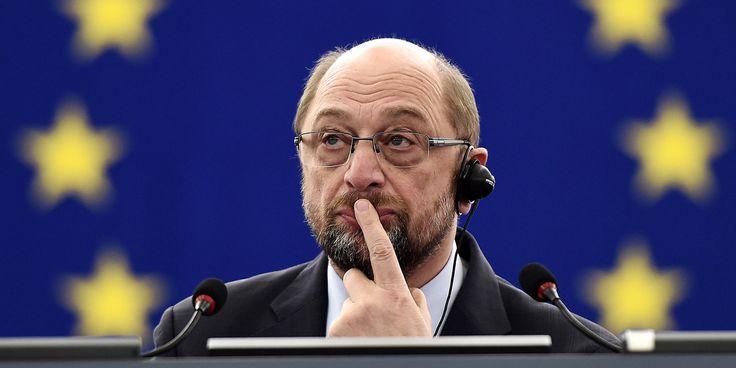 INTERNATIONAL - Martin Schulz, ancien président du Parlement européen, est en campagne pour le SPD allemand aux élections législatives. Le social-démocrate pourrait même dépasser Angela...