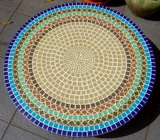 Mesas de mosaico | Alem da Rua Atelier                                                                                                                                                                                 Mais