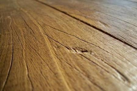 Come eliminare i graffi sul pavimento di legno