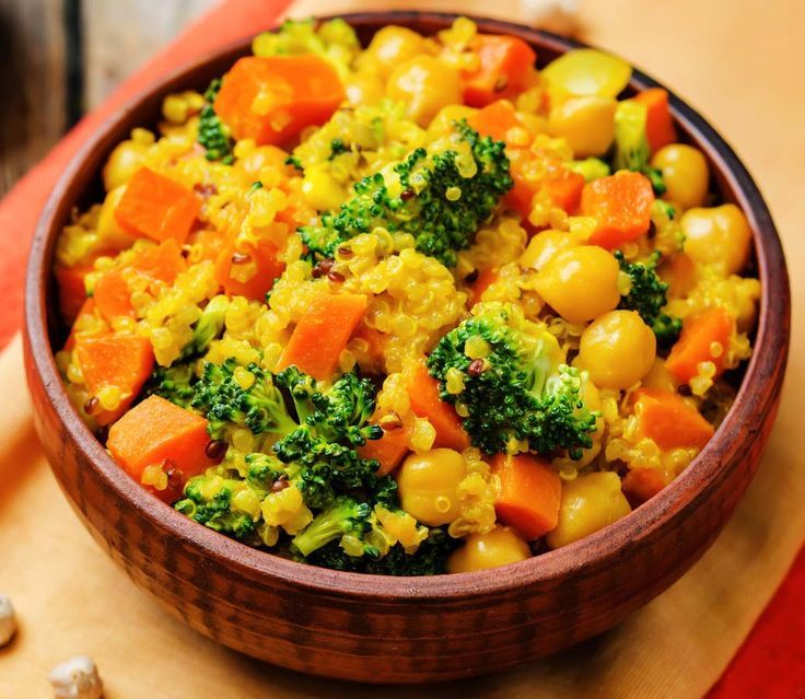 Spicy chickpea, tofu and quinoa salad with a curry and mustard dressing.