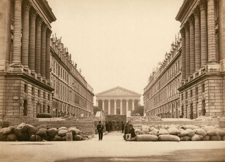 Paris 23 mai 1871 (!) La rue Royale et ses barricades sous la Commune de Paris
