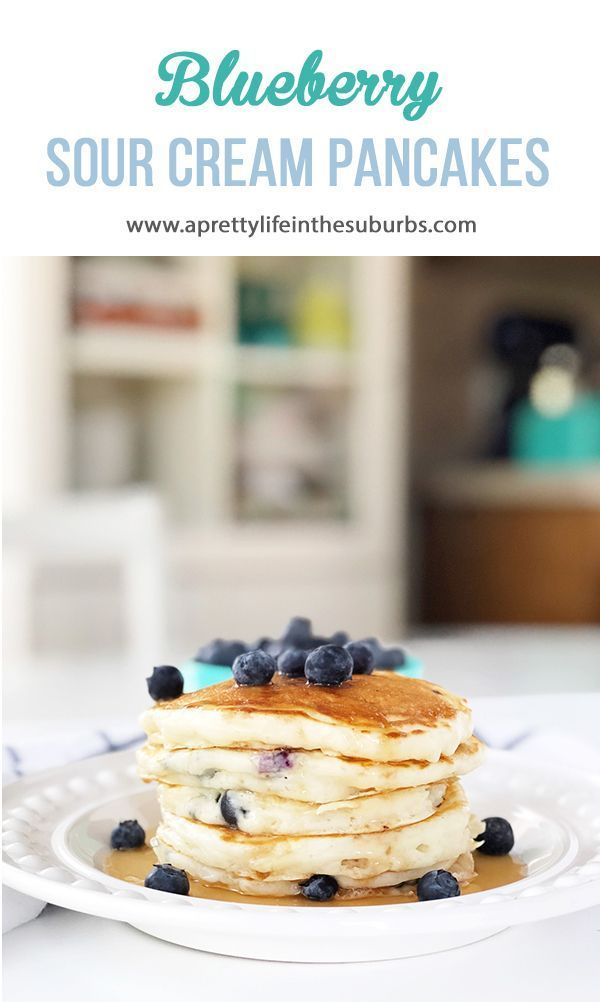 Diese Blaubeer-Sauerrahm-Pfannkuchen sind ein Lieblingsfrühstücksrezept der Familie! Das…