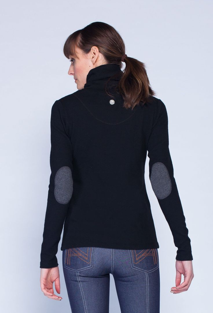Classic equestrian fall fashion, elbow patches and all!