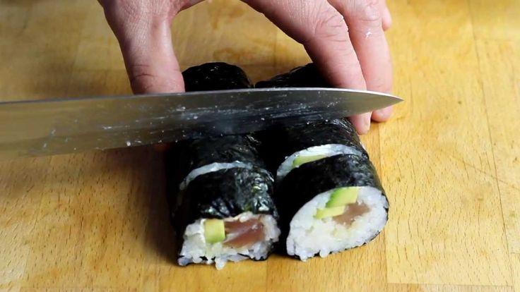Jak przygotować Sushi Maki z Tuńczykiem - Proste w przygotowaniu, które nie wymaga od początkujących dużej wprawy. Łatwo dostępne składniki, prostota zwijania to atuty naszego przepisu. Zobacz Nasz przepis Video i napisz jak ci Smakowało :)