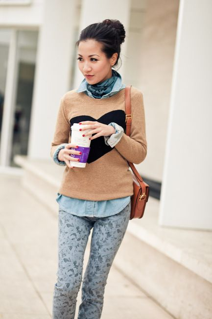 Chambray blouse, collar up with matching scarf and printed pants.