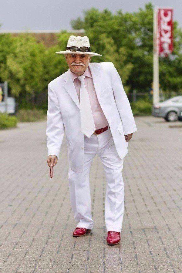 Стильный мужчина, профессиональный портной и просто счастливый человек.  Знакомьтесь, это Али! Ему 86 лет.
