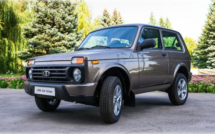 «АвтоВАЗ» поднял цены на все модели автомобилей Lada