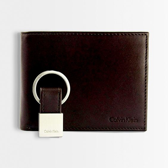 a92db5542 04. Calvin Klein Black Leather Passcase Key Fob Set