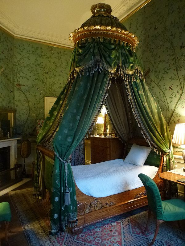 Wellington Bedroom - Chatsworth House Photo by faun070
