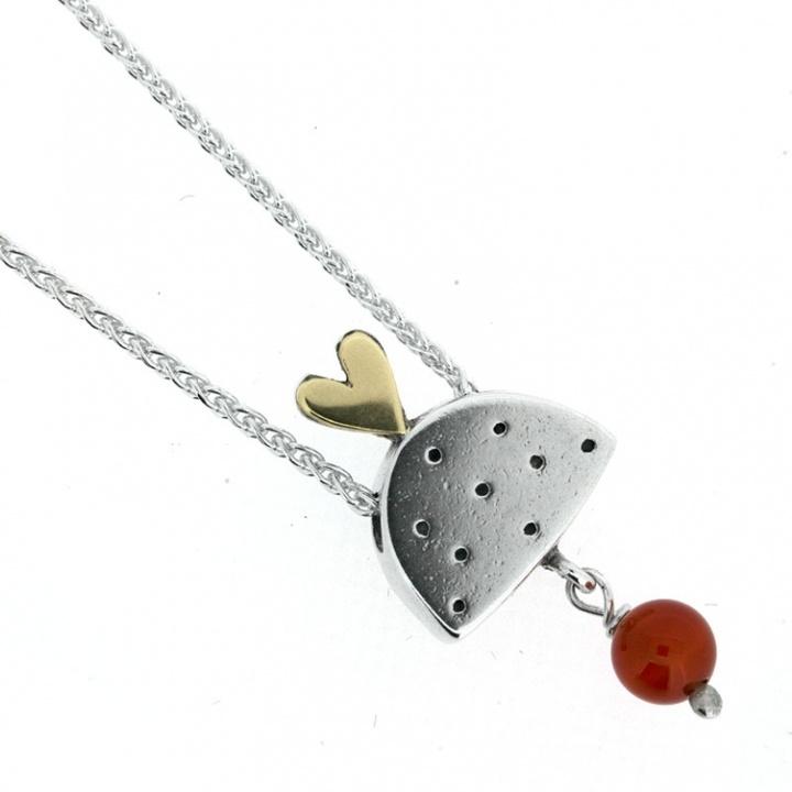 Queen of Hearts Pendant