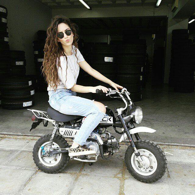 @Regrann from @faniparavalou - Like a ride?  #likebrotherlikesister #bobos #Regrann #superga #supergagreece
