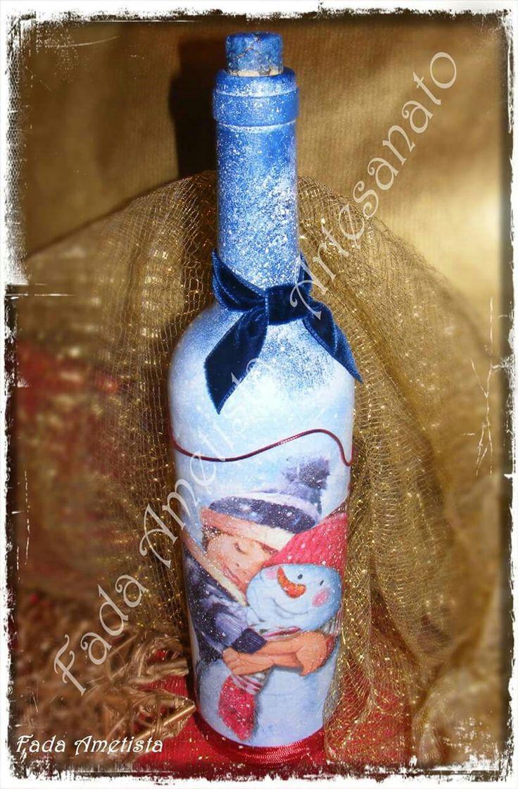 Garrafa decorada com motivos natalícios  https://www.facebook.com/FadaAmetista/photos/a.1677323449251788.1073741859.1589593488024785/1697422467241886/?type=3&theater