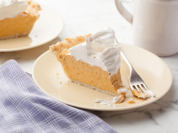 Pumpkin Chiffon Pie Recipe, I am not a fan of pumpkin pie,