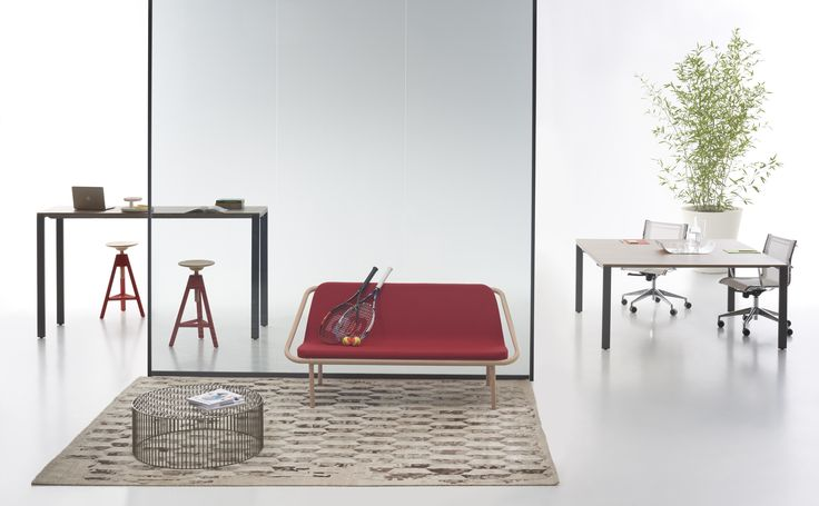 You Eco high table with dark larch top and basalt grey structure + You Eco + Bague red cherry sofa #homeoffice #focusoncolor
