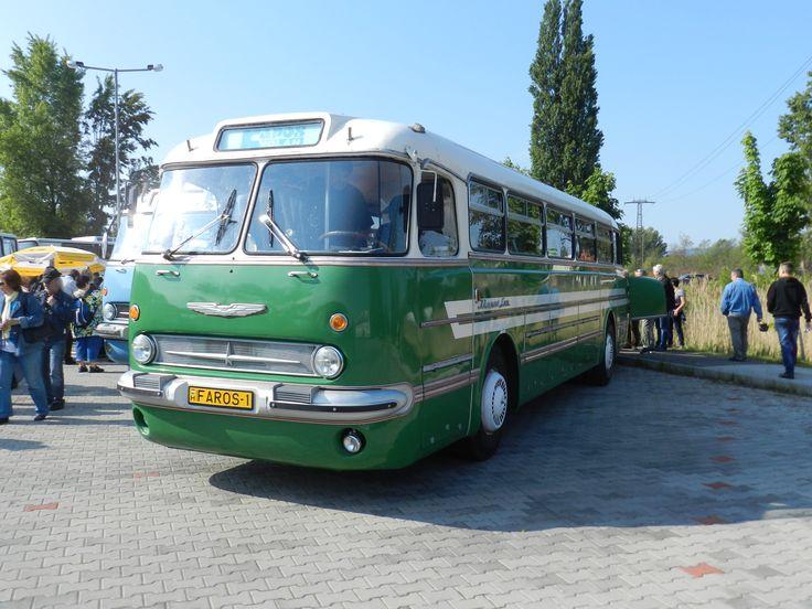 Ikarus 65 Lux autóbusz, magyar kézben.