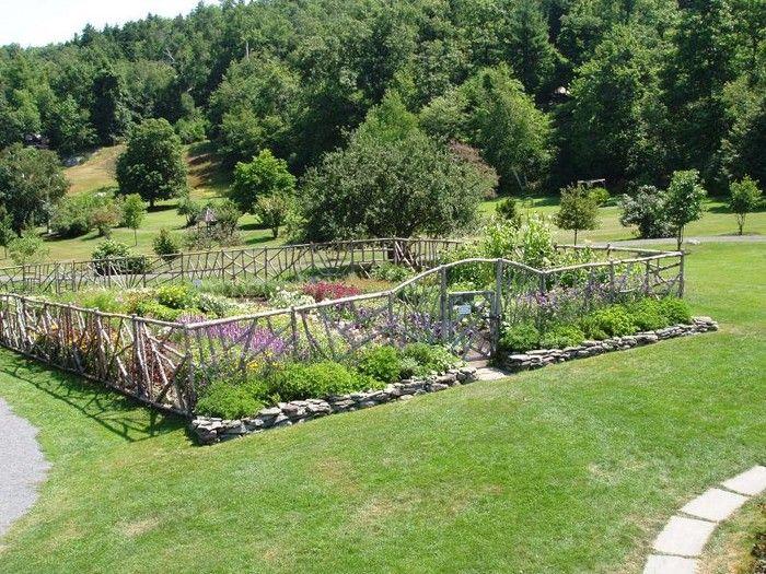 9 best garden design images on pinterest gardening for Vegetable garden fence design