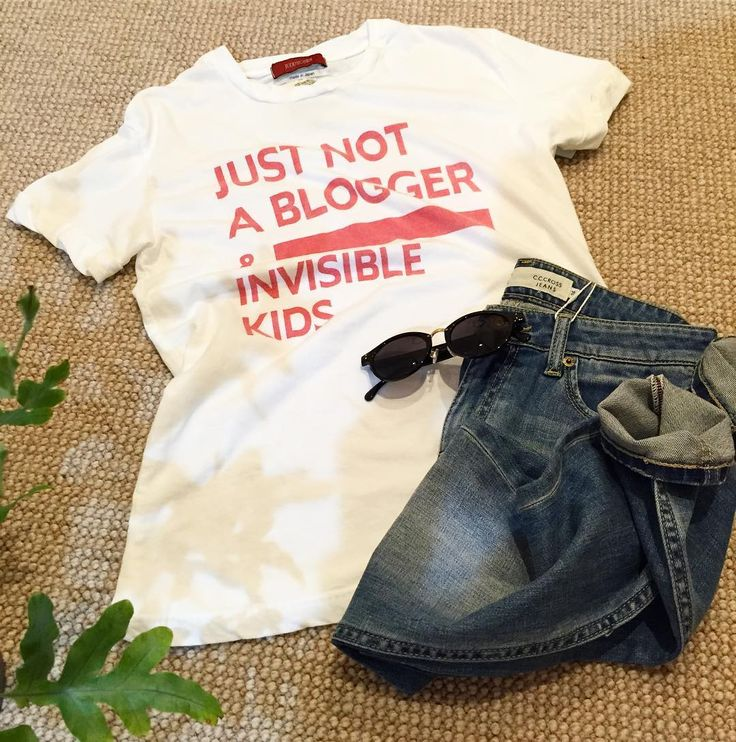 "NEW BRAND 今日はメーカーさんラッシュ (   ) ブラウス人気の中 このTシャツはツボツボツボツボ そして今日で47連勤中 私の細胞壊れ始めてます()/  6900tax ネイビープリントも入荷します(Ü)ノ""  #tシャツ #ロゴt #可愛い #大人可愛い #大人カジュアル #大人ファッション #アラサーコーデ #アラフォーコーデ #デニムコーデ #newbrand #カジュアル #ピンクロゴ #gw #unsourireコーデ #新作 #入荷予定 #セレクトショップ #セレクトショップアンスリール #セレクトショップunsourire #吹田市関大前セレクトショップ #吹田市 #吹田市セレクトショップ #ご来店お待ちしております #オンラインもあるよ"