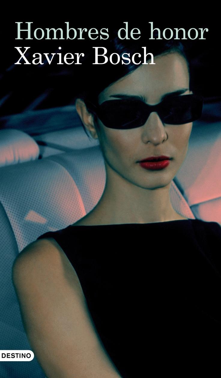 Tras abandonar la dirección del diario Crónica, Dani Santana vuelve a la televisión como presentador de un programa de reportajes con el que pronto se anota un tanto: entrevistar a Tuzza Talese, la mujer de un miembro encarcelado de la mafía siciliana. Amenazada de muerte por divulgar en un libro los secretos de la organización, Tuzza, una mujer estoica y endurecida, vive escondiéndose de todos y de todo, aunque puede que en Santana encuentre un aliado.