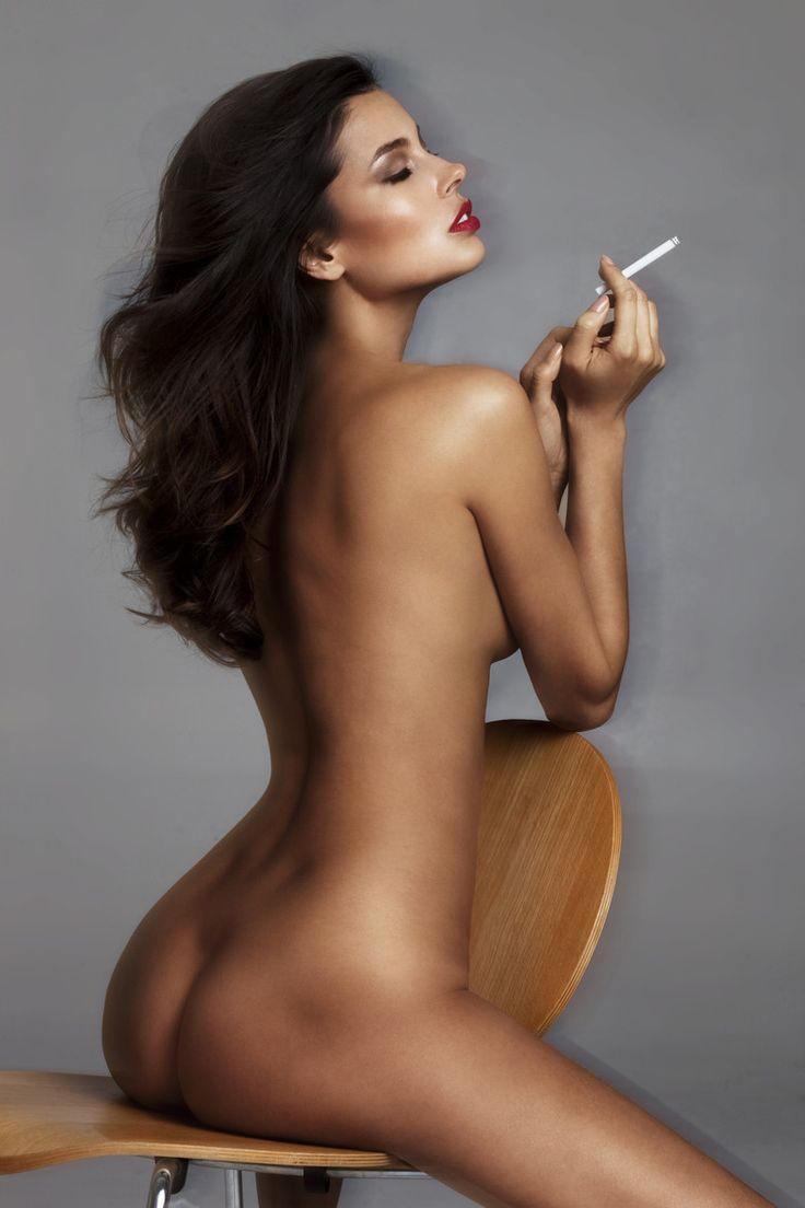 hot-nude-girls-smoking-girlgonegamer-topless