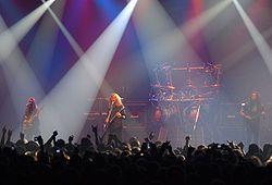 Megadeth es una banda estadounidense de thrash metal, formada en Los Ángeles, California. Fue creada en 1983 por Dave Mustaine (vocalista y guitarrista), después de que fuera expulsado de Metallica, donde ocupaba el puesto de guitarrista principal