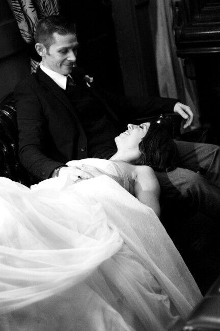 Wedding pose - Romantic