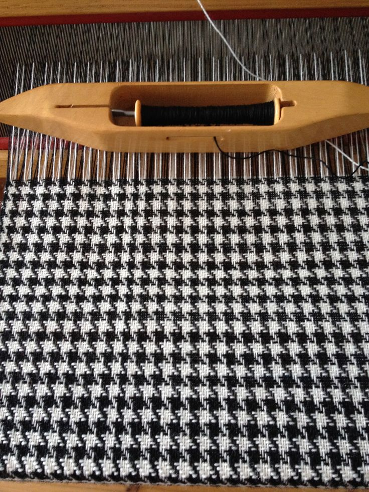 My houndstooth scarf woven on a 4 sharft table loom.