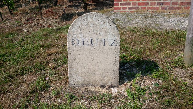 Deutz Stone sign in the vineyards