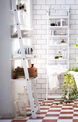 Met het HJÄLMAREN wandrek creëer je orde in de badkamer. #IKEA
