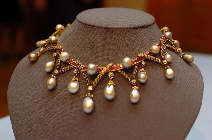 Marie Antoinette's Pearls, A Historically Important Natural Pearl, Diamond And Ruby Necklace  -  **ALL ROUND PICTURES FROM SOLARPIX.COM****SYNDICATION RIGHTS FOR SPAIN, PORTUGAL & DUBAI (U.A.E) ONLY**Marie...