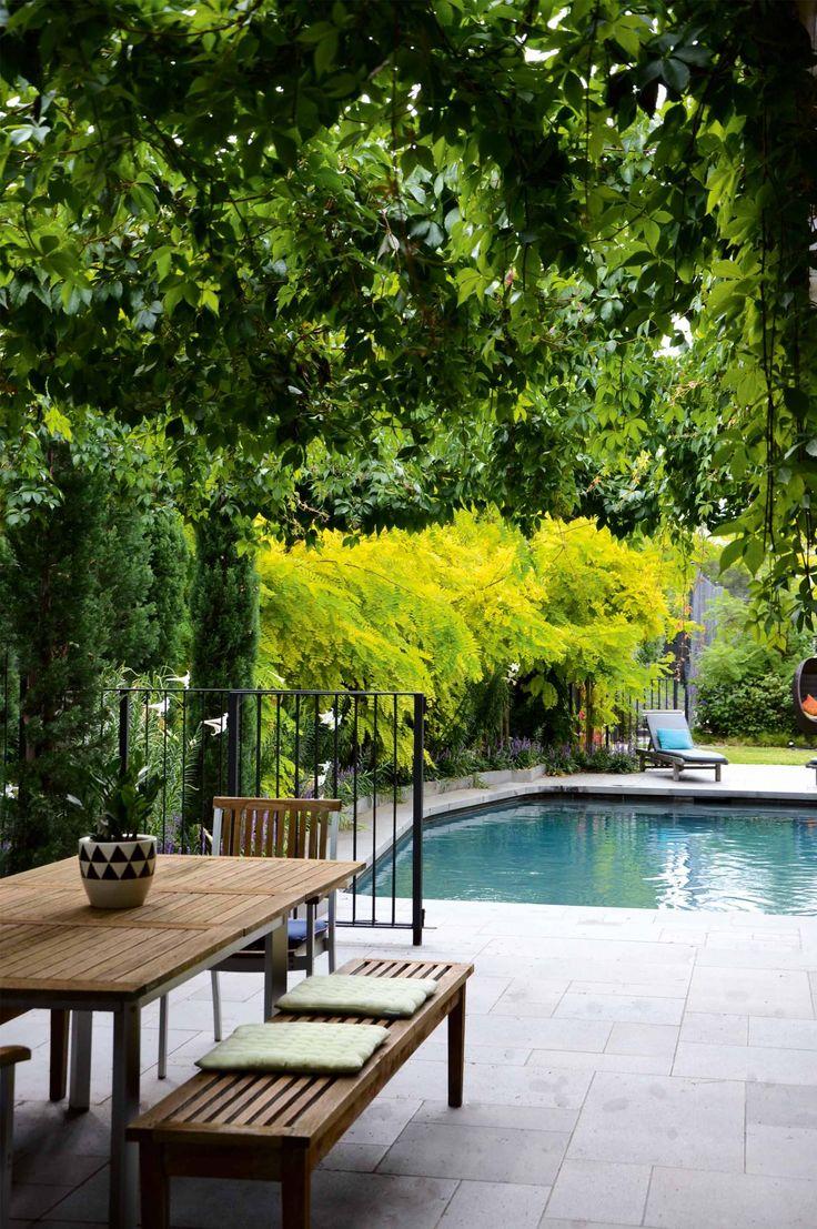 A tranquil garden design in the inner city photography by for Tranquil garden designs