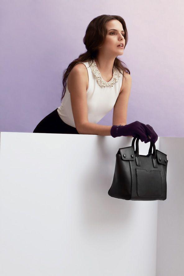 Giorgio Agnelli Women's Bag - Padova D14G0463 Black A modern elegant hand bag design 100% Full Grain cow leather material #bag #leather #womenbag