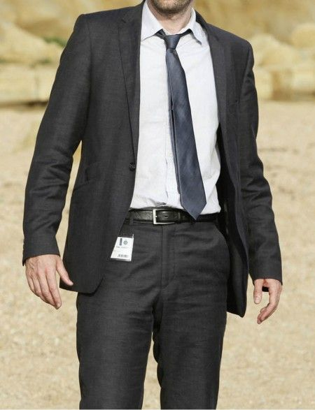 Now you can Match your Looks with David Tennant through this Charcoal Suit. David Tennant Broadchurch Suit ON SALE at Affordable Price and Free Shipping