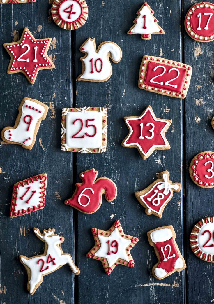 Christmas Advent biscuits - Make your own gingerbread Advent biscuits for Christmas using this easy recipe. Eat them one-a-day or all at once! More