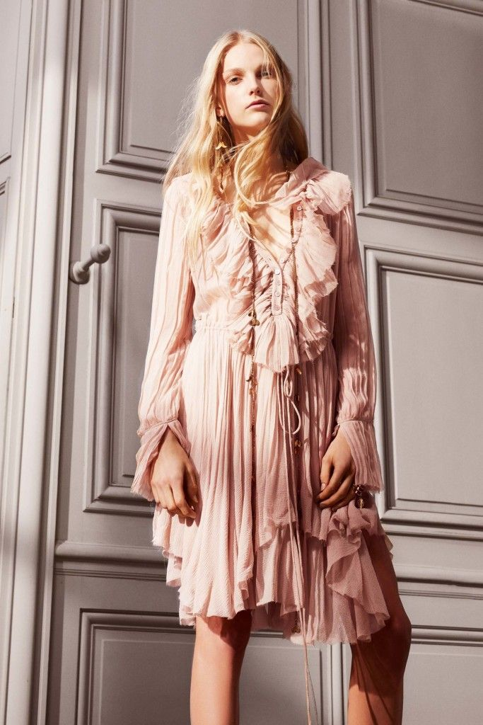 With a new season quickly approaching we're preparing our fall wardrobe and our fall interior finishings! And we can't help but take trimspiration from Chloé's pre-fall 2016 collection.