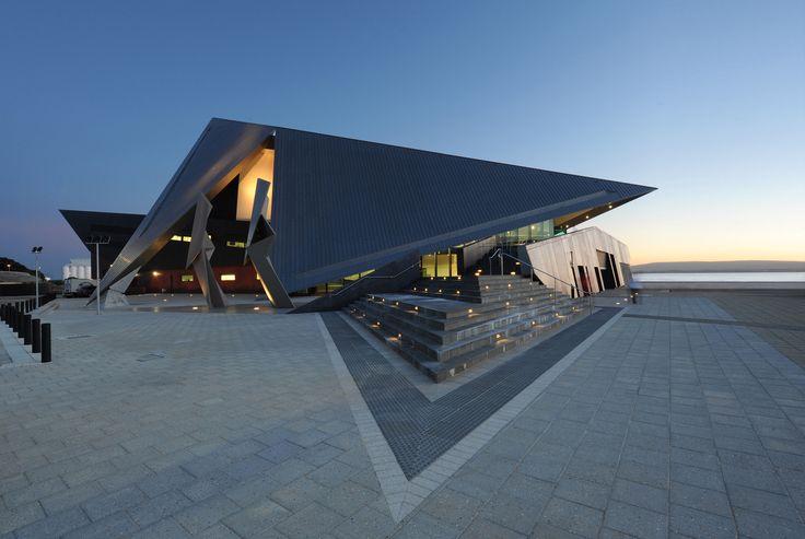 Centro de entretenimiento de Albany / Cox Howlett & Bailey Woodland + Roberts Gardiner