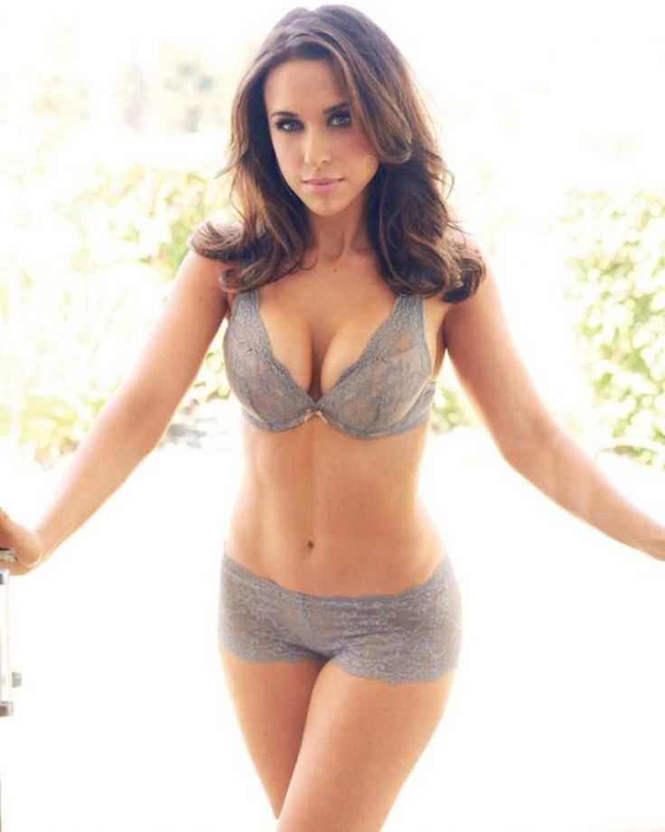 #45 Lacey Chabert - This brunette beauty got her start playing Claudia Salinger on the '90s TV drama Party of Five, but she was equally memorable in the role of Gretchen Wieners in Mean Girls..