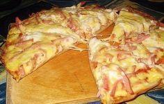 Astăzi vă oferim o rețetă rapidă de pizza – numai bună pentru cei care adoră acest deliciu, dar nu au timp suficient să o pregătească după rețeta clasică italiană. Se pregătește foarte ușor, este la fel de gustoasă ca cea clasică, şi nu ve-ţi pierde mult timp cu aluatul şi alte metode de preparare. INGREDIENTE: …