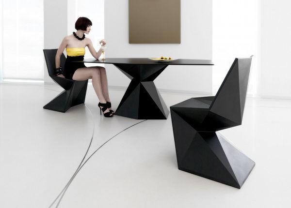 #chair #black #cadeira #preta #preto #faceted #face #faces #low #poly #polygon #polígono #polígonos #poligono #poligonos