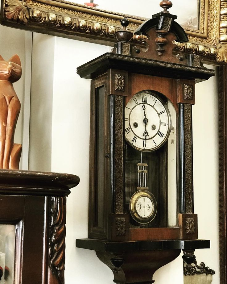 Osmanlı duvar saati Yüksek kondisyonda #antika #antigue #koleksiyon #retro #vintange #sanat #sunum #ikinciel #eski #saat #duvarsaati #osmanlisaat #osmanlısaat #dekor #dekorasyon #tasarım #dizayn #antikalar #antikacılar #antikacı #antikaalanlar #bostancıantik http://turkrazzi.com/ipost/1523908951203523357/?code=BUmAx36hisd