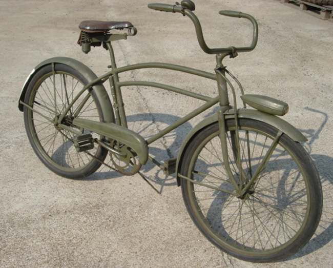 "World War II-vintage M305 ""Bicycle, Military, Universal"" US Army bike. Matte olive-green of course."