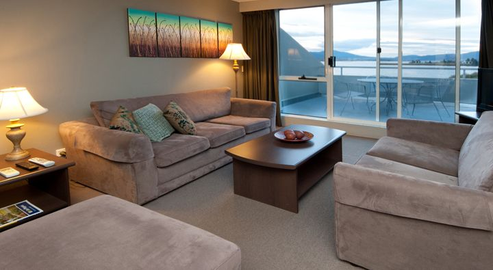 The Executive Apartment lounge at Rydges Horizons Snowy Mountains