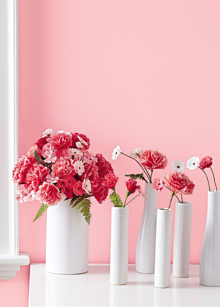 Make Mom a Mother's Day bouquet that will last with #marthastewartcrafts! Get everything you need at @Michaels Stores .Cupcakes Paper, Cupcake Liners, Cupcakes Liner, Flower Tutorials, Paper Flower Tutorial, Liner Flower, Parties Favors, Paper Flowers, Cupcakes Wrappers