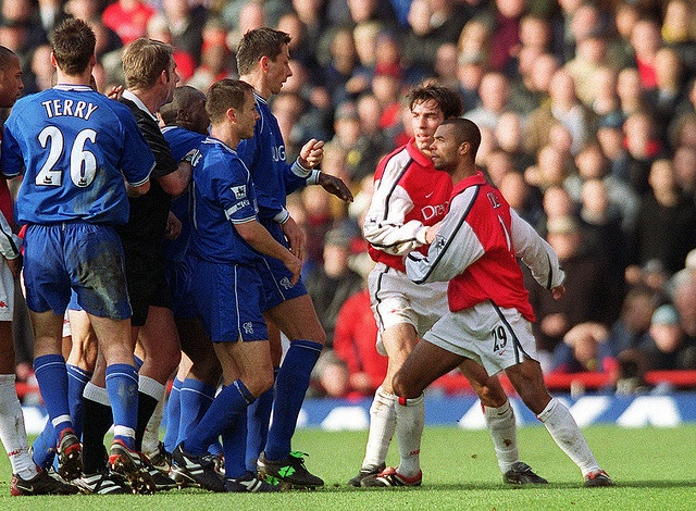 Ashley Cole and Robert Pires take on half the Chelsea team